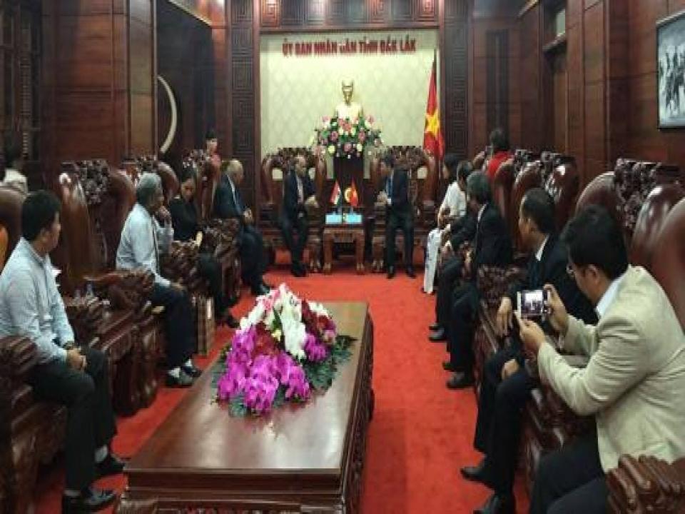 Ambassador meets Vice Chairman, Dak Lak Province