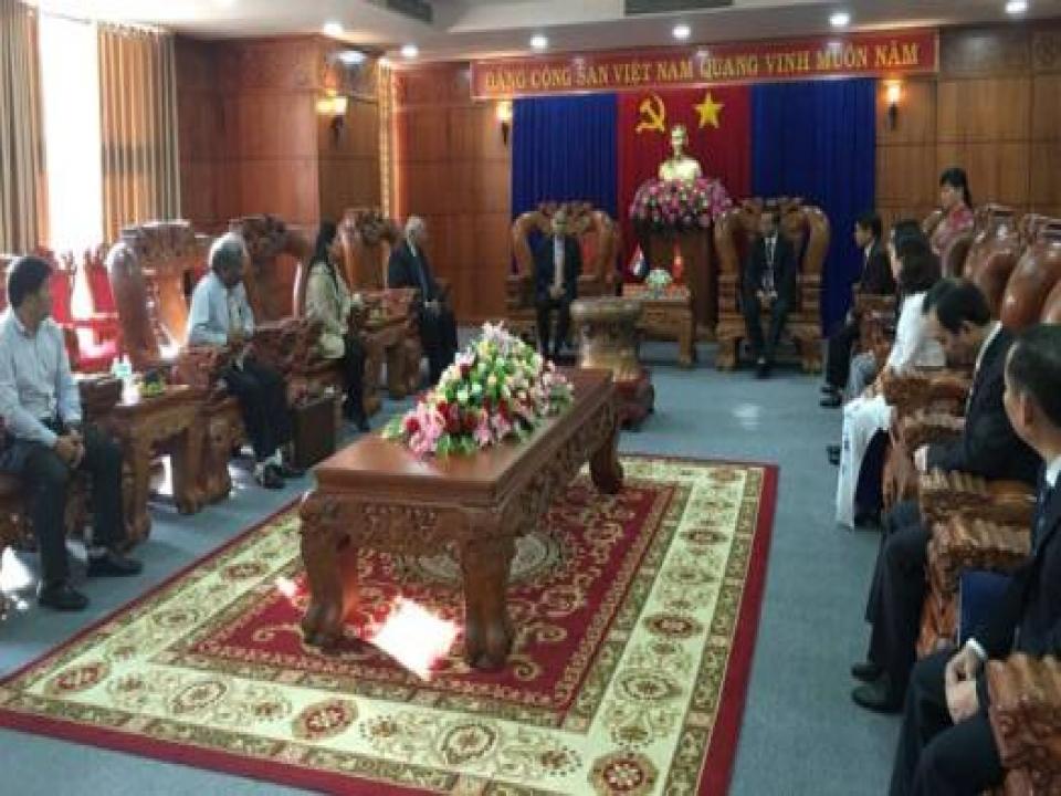 Ambassador meets Party Secretary, Dak Lak province