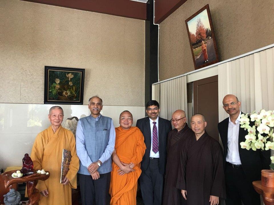 Ambassador meets Rector of Vietnam Buddhist University