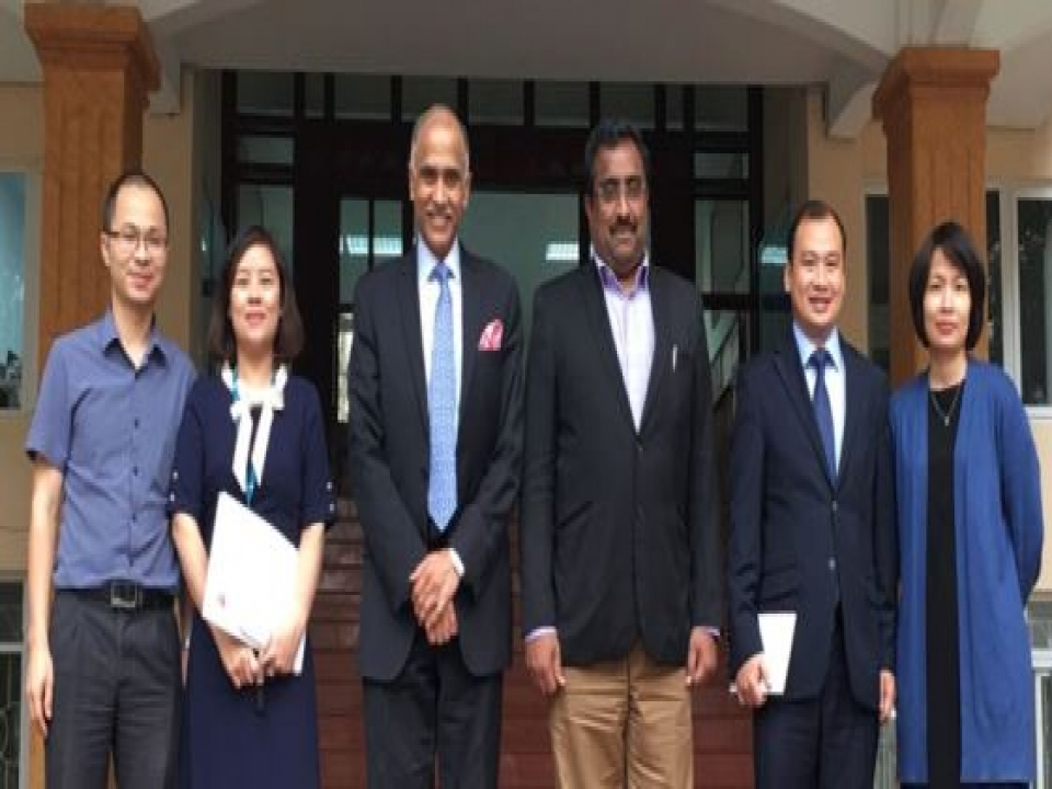 Mr. Ram Madhav in Vietnam - Meeting with DAV