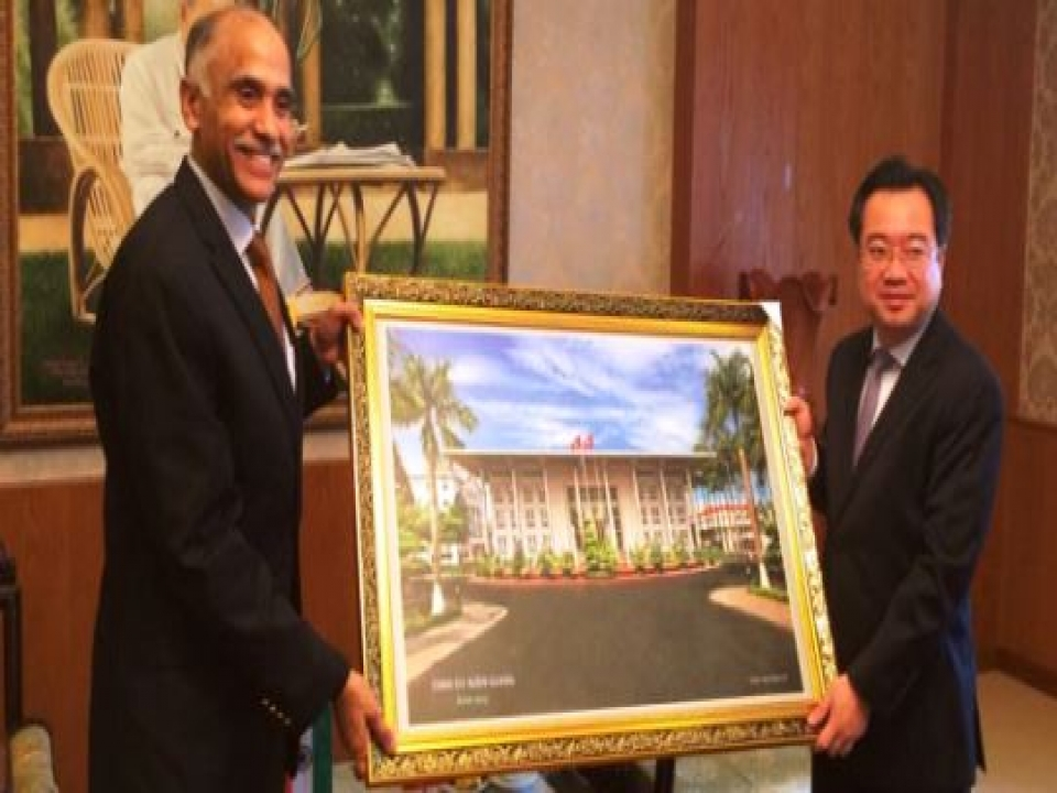 Ambassador meets Party Secretary of Kien Giang Province