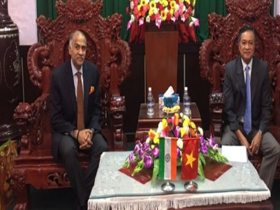Ambassador meets Chairman of Kien Giang Province