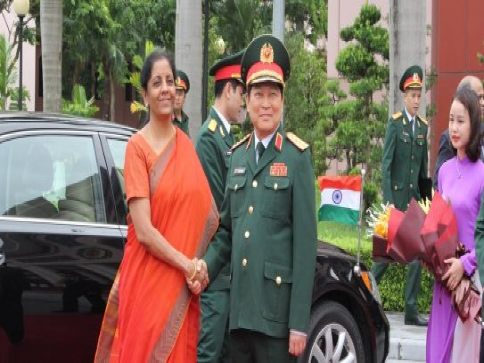 Defence Minister holds delegation level talks with counterpart