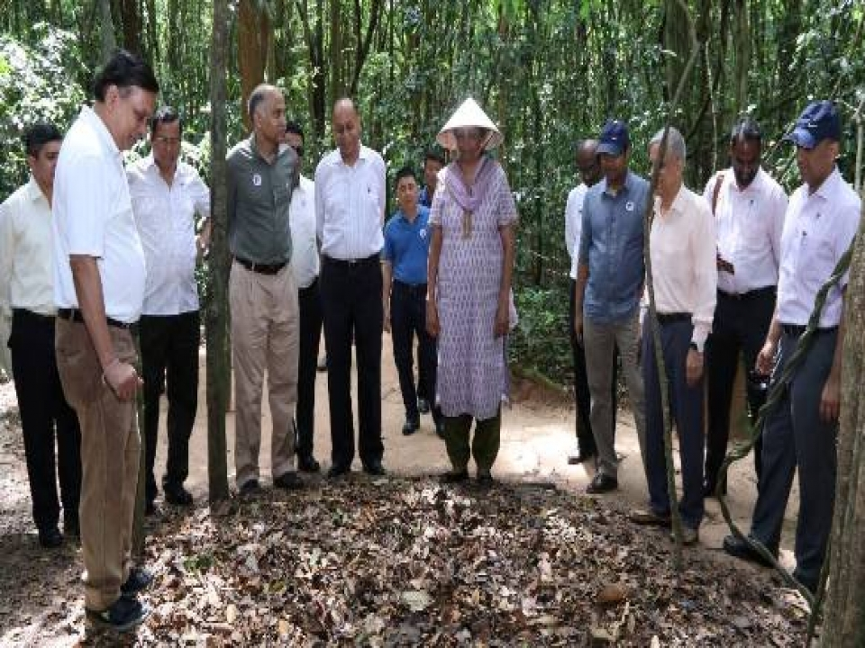 Defence Minister visits Cu Chi tunnels