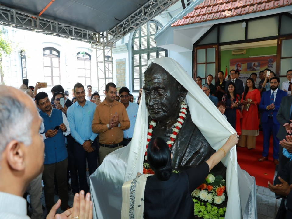 Unveiling of Bust of Mahatma Gandhi by Hon'ble EAM