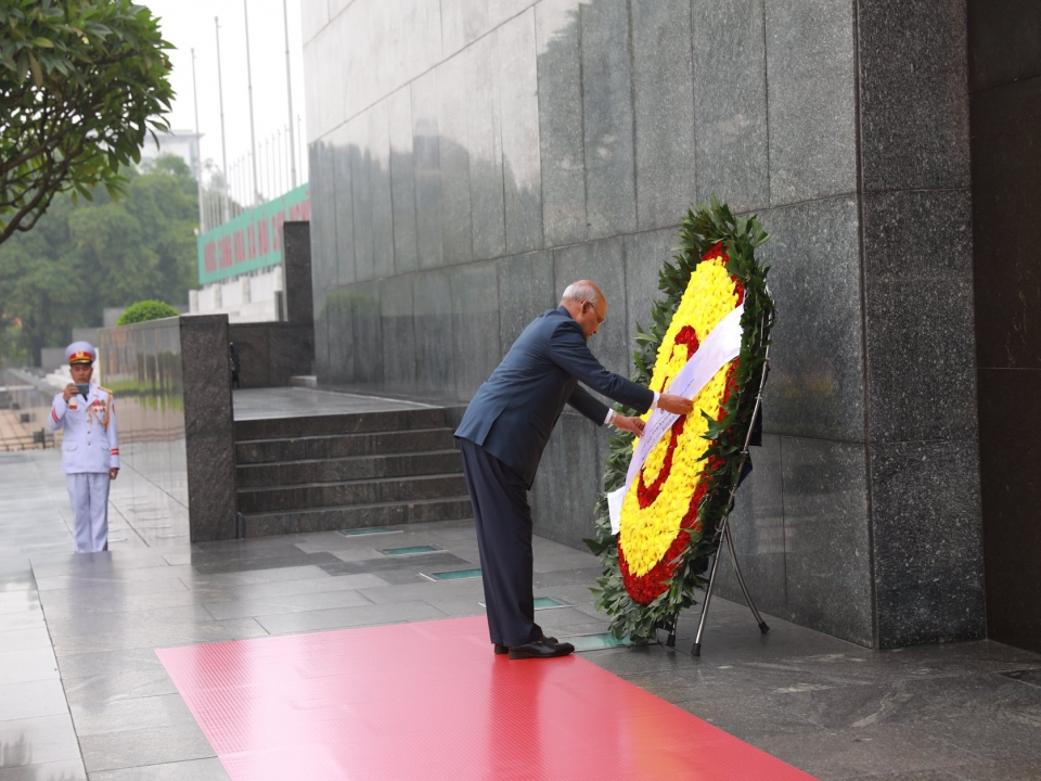 Wreath-Laying Ceremony at the Mausoleum of President Ho Chi Minh