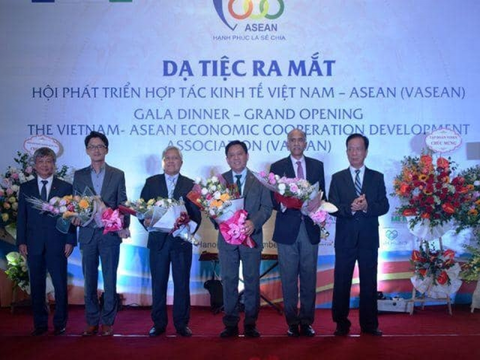 Meeting and Gala Dinner of VASEAN with ASEAN Dialogue Partners