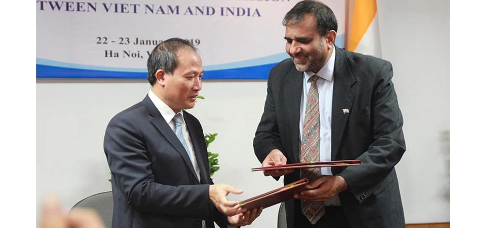The ministerial session of the 4th meeting of the India-Vietnam Joint Sub-Commission on Trade was held in Hanoi on 23 January 2019 in Hanoi. The two delegations were led by Indian Commerce Secretary Dr Anup Wadhawan and Vietnamese Deputy Minister of Industry and Trade Mr. Cao Quoc Hung, and reviewed all aspects of trade and investments, and discussed measures to strengthen bilateral economic engagement.