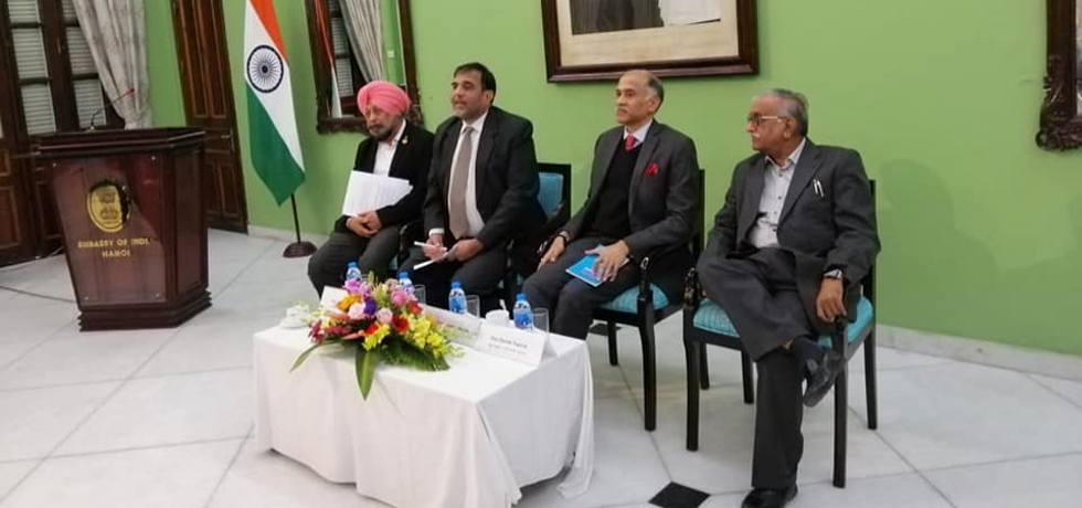 Commerce Secretary Dr Anup Wadhawan was on a visit to Vietnam leading the Indian delegation to the 4th meeting of the India-Vietnam Joint Sub-Commission on Trade from 22-23 January 2019. During this visit, the Embassy organised an interaction with members of the Indian Business Chamber INCHAM of Hanoi and Ho Chi Minh.
