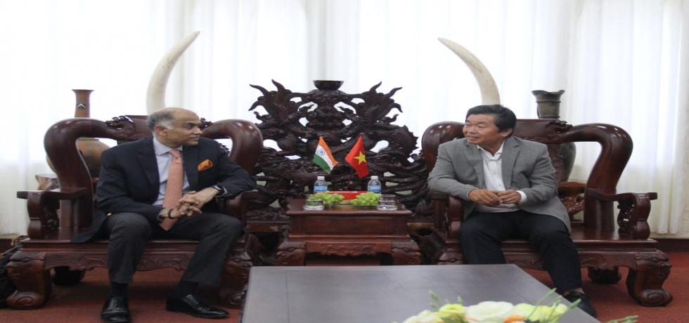 Ambassador P. Harish visited Ninh Thuan province and met Chairman of the People's Committee of Ninh Thuan HE Mr. Luu Xuan Vinh.