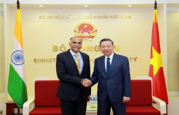 Farewell call on Minister of Public Security of Vietnam