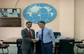 Ambassador meets President of Diplomatic Academy of Vietnam (DAV)