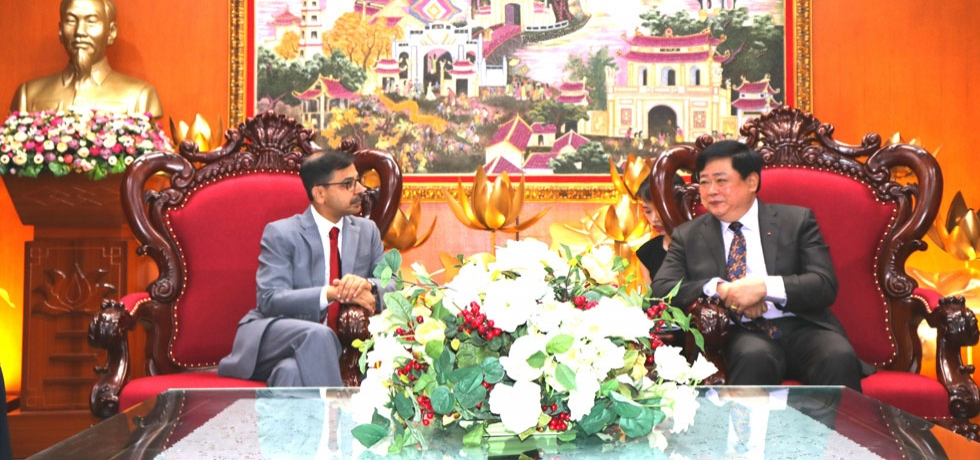 Ambassador Pranay Verma met the Director General of Voice of Vietnam (VoV) and Central Committee Member of the Communist Party of Vietnam, H.E. Mr. Nugyen The Ky on 23 September 2019.