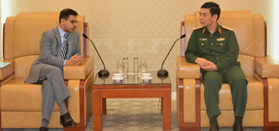 Ambassador meets Chief of General Staff of Vietnam People's Army