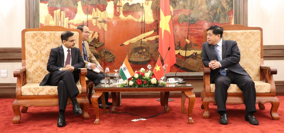 Ambassador meets Minister for Planning and Investment of Vietnam
