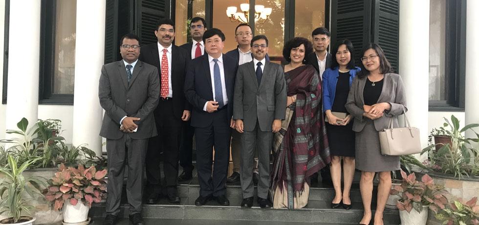 Ambassador hosts Mr. Nguyen The Ky, Director General of VOV