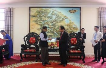 Ambassador visits Hue