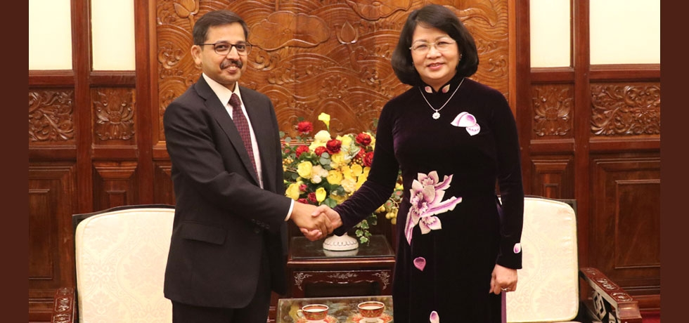 Ambassador calls on the Vice President of Vietnam