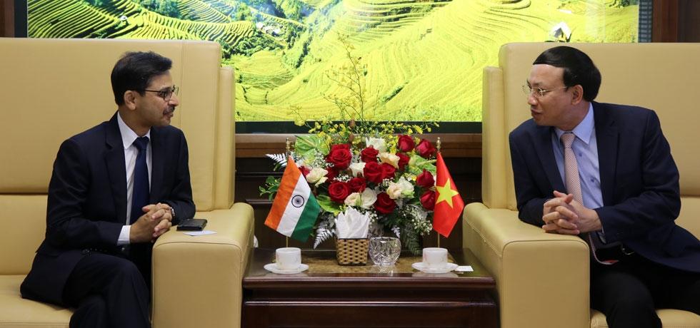 Ambassador's visit to Quang Ninh Province (11 June 2020)
