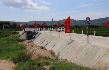 On 27 June, 2020, Ambassador Pranay Verma and the Provincial Party Secretary of Phu Yen province H.E. Mr. Huynh Tan Viet jointly inaugurated an overpass bridge at Tan Long Village, Xuan Son Nam commune, Dong Xuan District of Phu Yen, constructed with Government of India's grant assistance of US$50,000 under the Quick Impact Project (QIP) programme. The project was completed within a short span of three months and is helping to connect the two communes of Xuan Son Bac and Xuan Son Nam of Dong Xuan District, which were earlier regularly disconnected during the rainy season.
