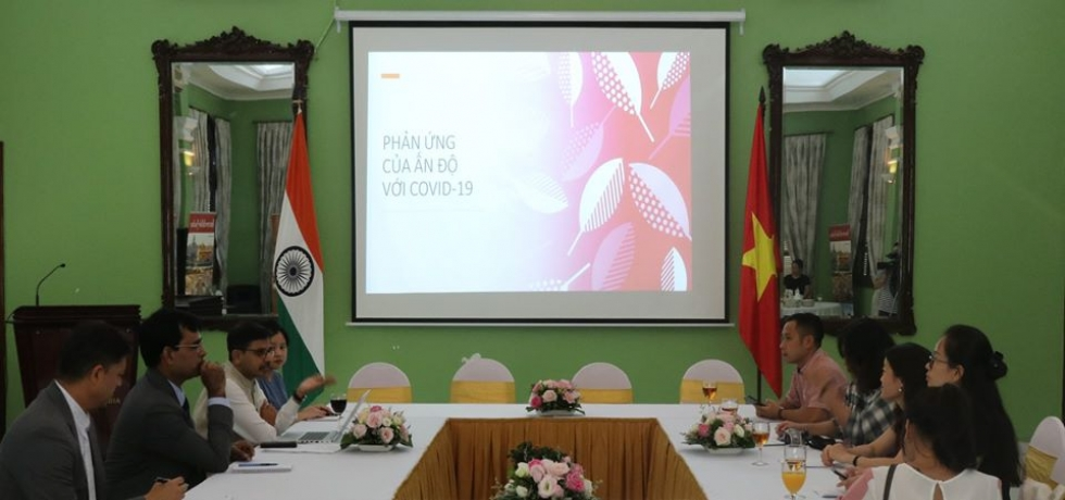 Ambassador Interacts with Vietnamese Media Persons