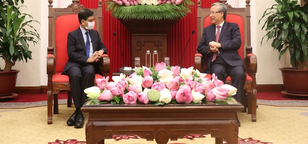 Ambassador meets Member of Politiburo & Executive Secretary, CPV