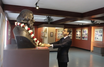 Ambassador visited the Vietnam Literature Museum in Hanoi on 28 August 2020 and paid floral tributes to Gurudev Rabindranath Tagore's bronze bust, which was installed there in 2011 to mark his 150th birth anniversary.