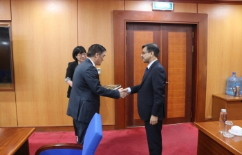 Ambassador meets Vietnam's Vice Minister of Finance
