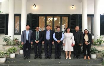 Ambassador hosts VNAT Chairman