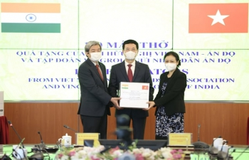Assistance by Vietnam to India in the fight against COVID-19