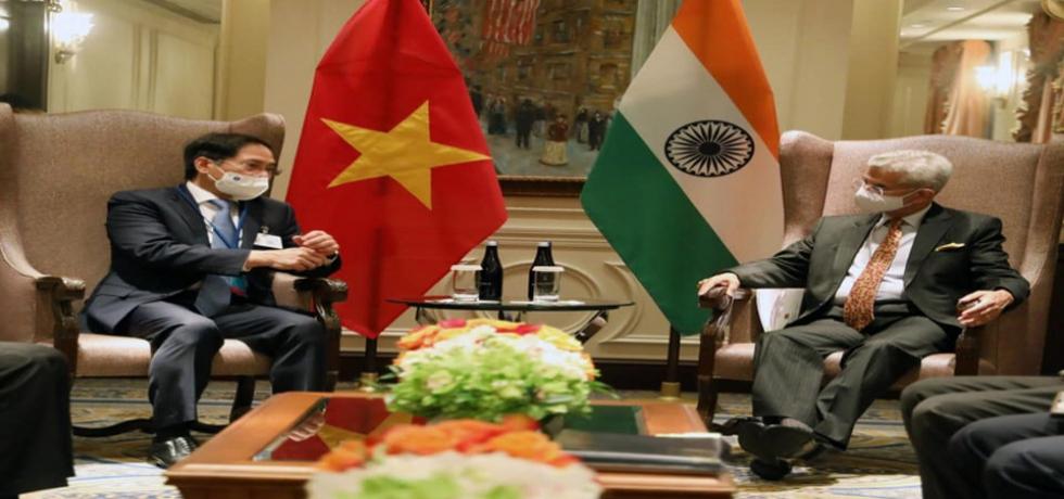 External Affairs Minister Dr. S. Jaishankar Met Foreign Minister Bui Thanh Son in New York